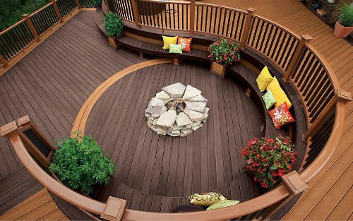 round deck with seating