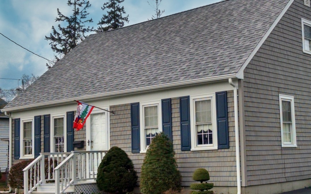 Mastic cedar discovery new bedford ma contractor cape for Grey vinyl siding colors