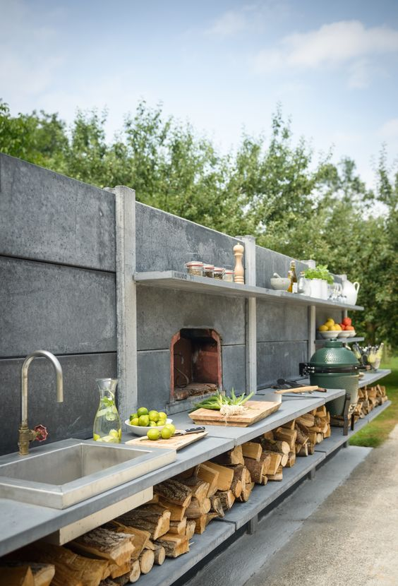 Outdoor kitchen ideas contractor cape cod ma ri for Outdoor kitchen designs with pizza oven
