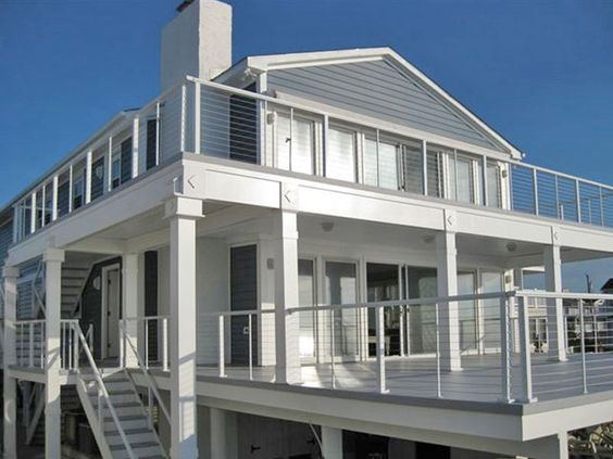 DesignRail® deck railings with horizontal Cable Railing feeney