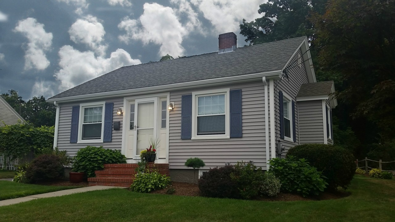 seaside ranch gets new vinyl siding in somerset ma