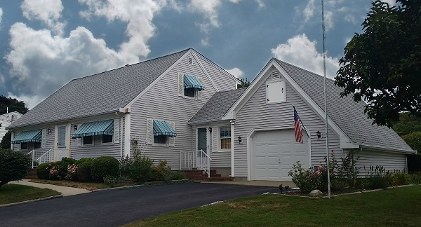 Gaf roofing system on cape cod style home in no dartmouth for Shingle art cape cod