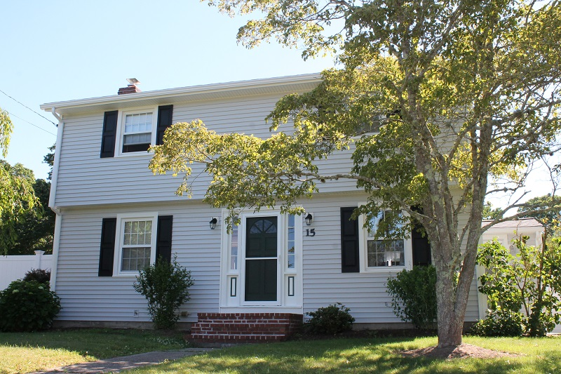 Vinyl Siding On Fairhaven Ma Garrison Colonial