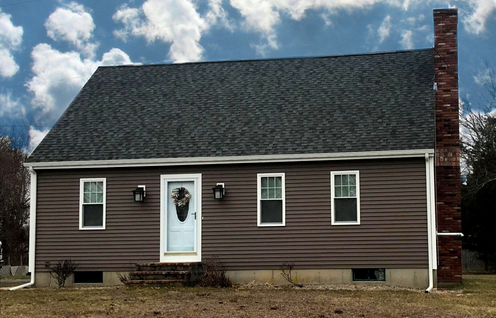Mastic Carvedwood Vinyl Siding, Acushnet, MA