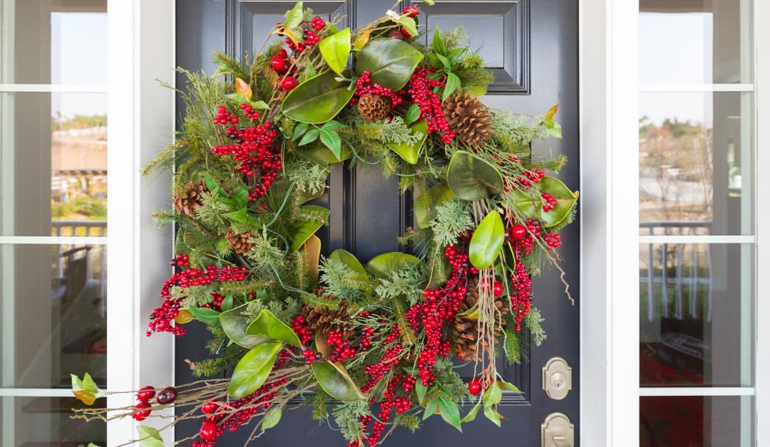 Deck your Door: Holiday Decorating Contest!
